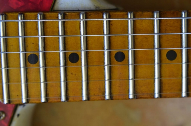 Fender Stratocaster Relic maple neck Jumbo frets