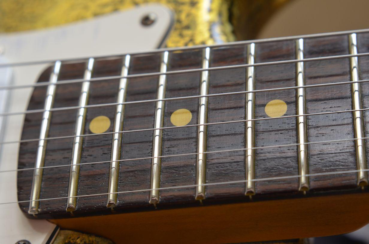 Fender Stratocaster Custom Gold Leaf Rosewood Fretboard
