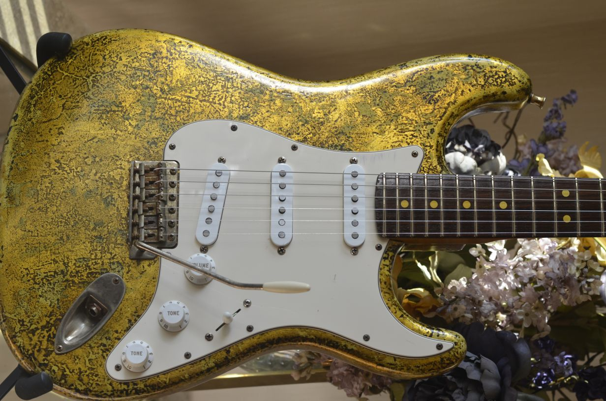 Fender Stratocaster Custom Heavy Relic Gold Leaf