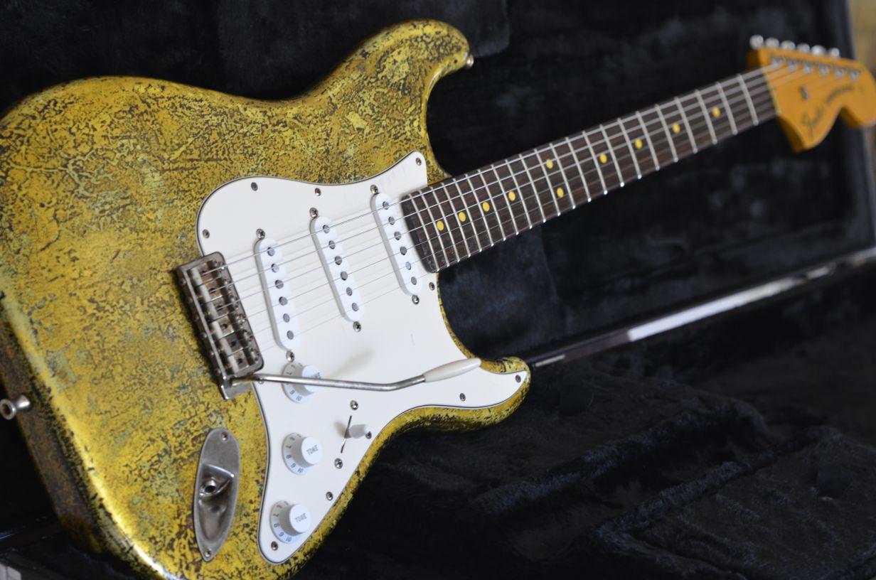 Aged Vintage Fender Stratocaster Custom Gold Leaf