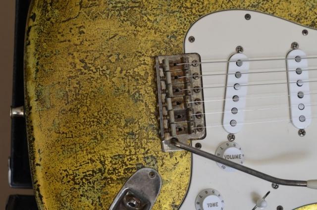 Vintage Bridge Fender Strat Gold Leaf