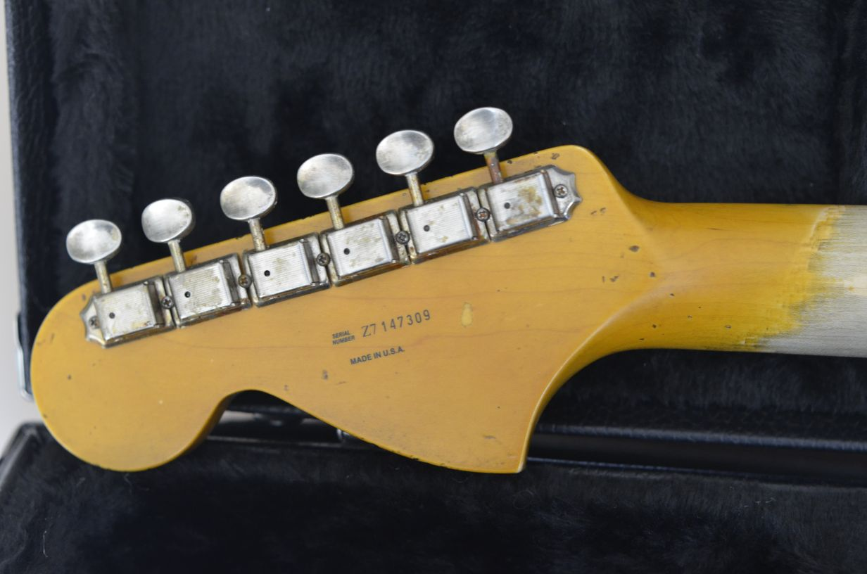 Big Headstock Fender Stratocaster Ping