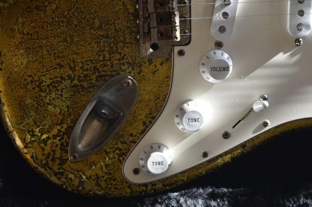 Fender Stratocaster Custom Gold Leaf Volume Tone Knobs