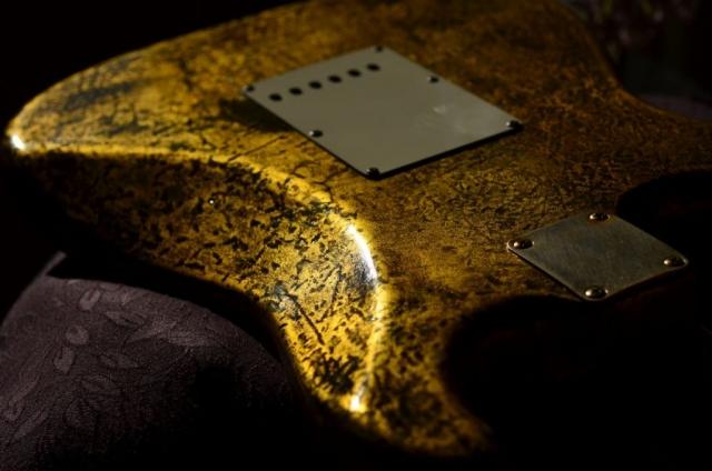 Reliced Fender Stratocaster Custom Gold Leaf