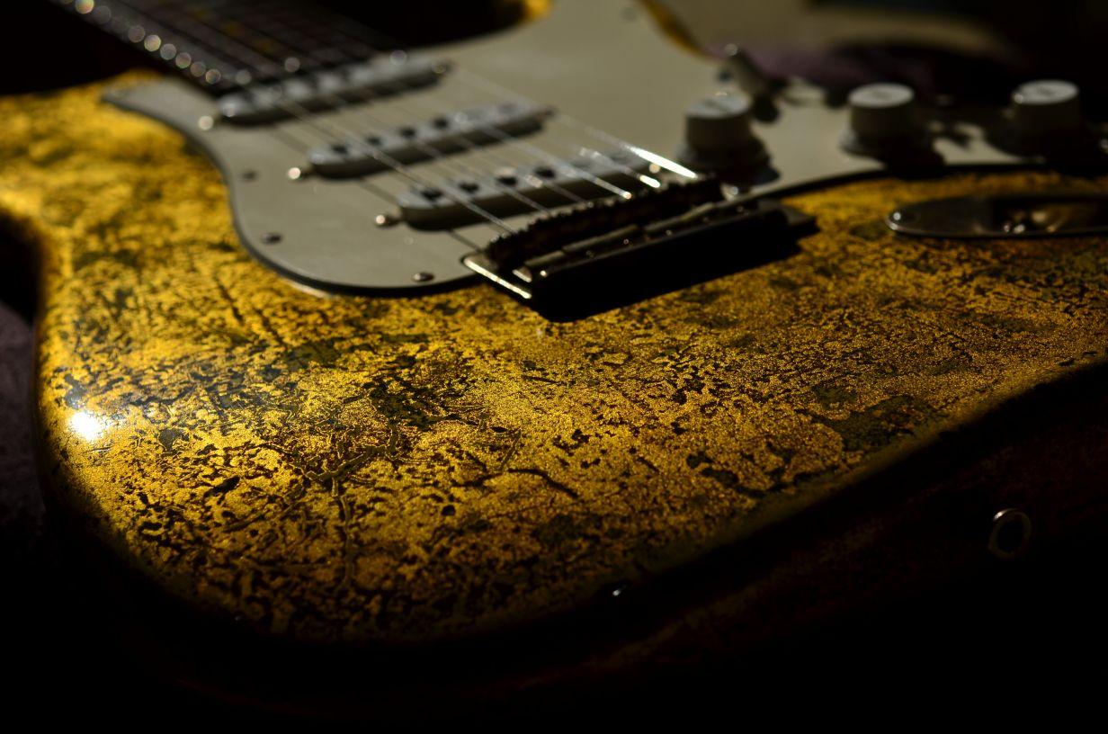 Sparkle Fender Stratocaster Custom Gold Leaf