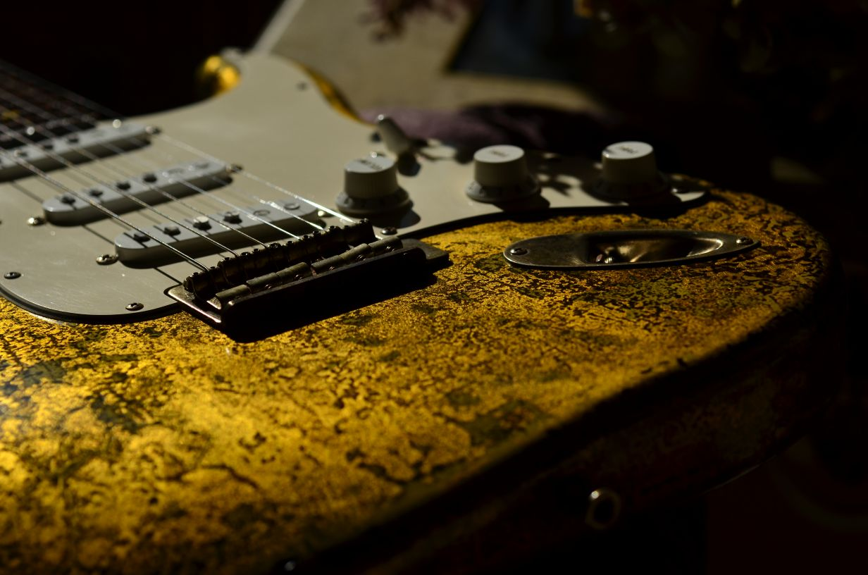 Flake Fender Stratocaster Custom Gold Leaf
