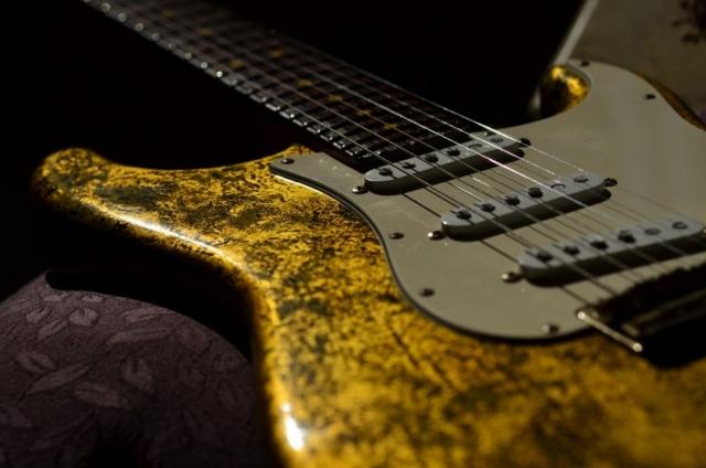 Nitro Relic Fender Stratocaster Custom Gold Leaf