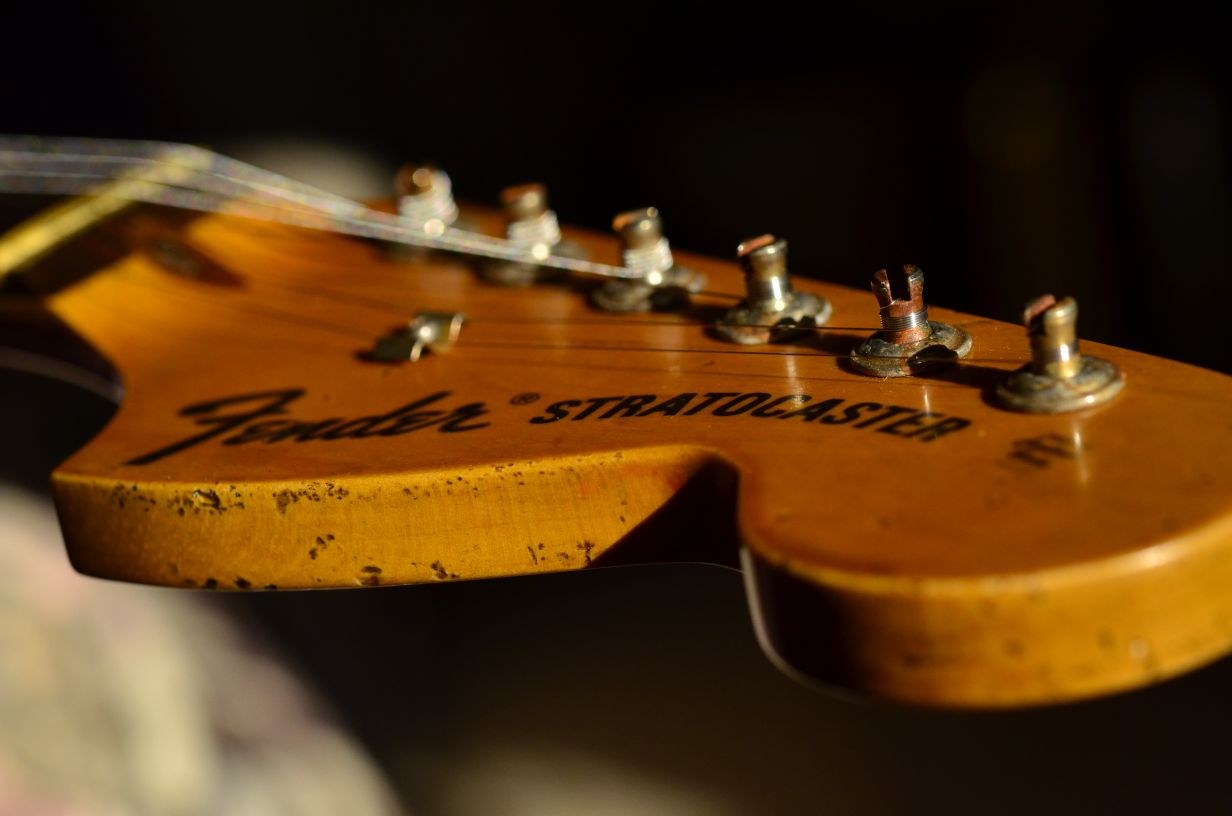Relic Aged Fender Strat Large Headstock