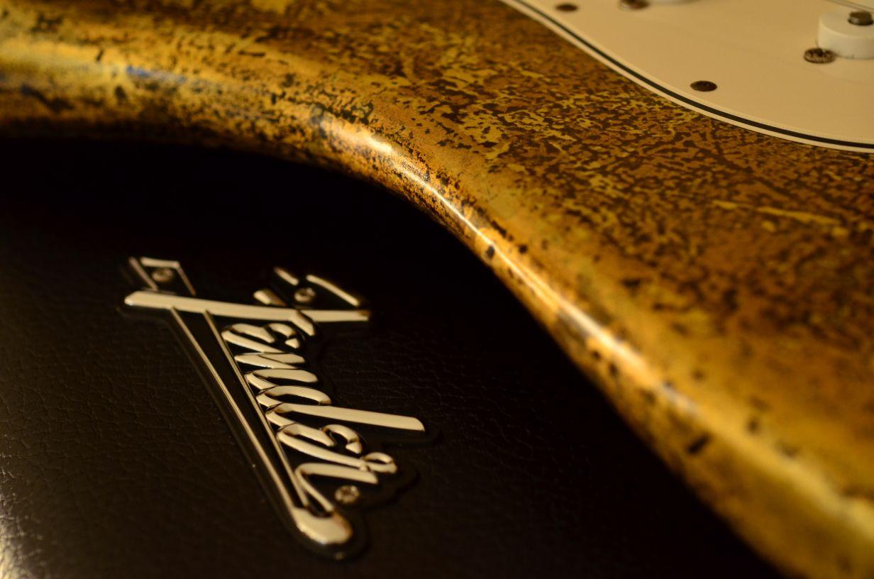 Tolex Case Fender Stratocaster Custom Gold Leaf