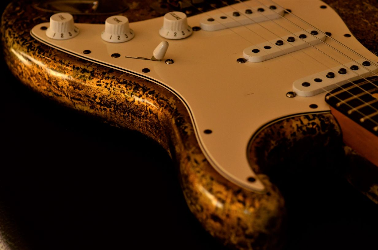 Fender Relic Stratocaster Custom Gold Leaf
