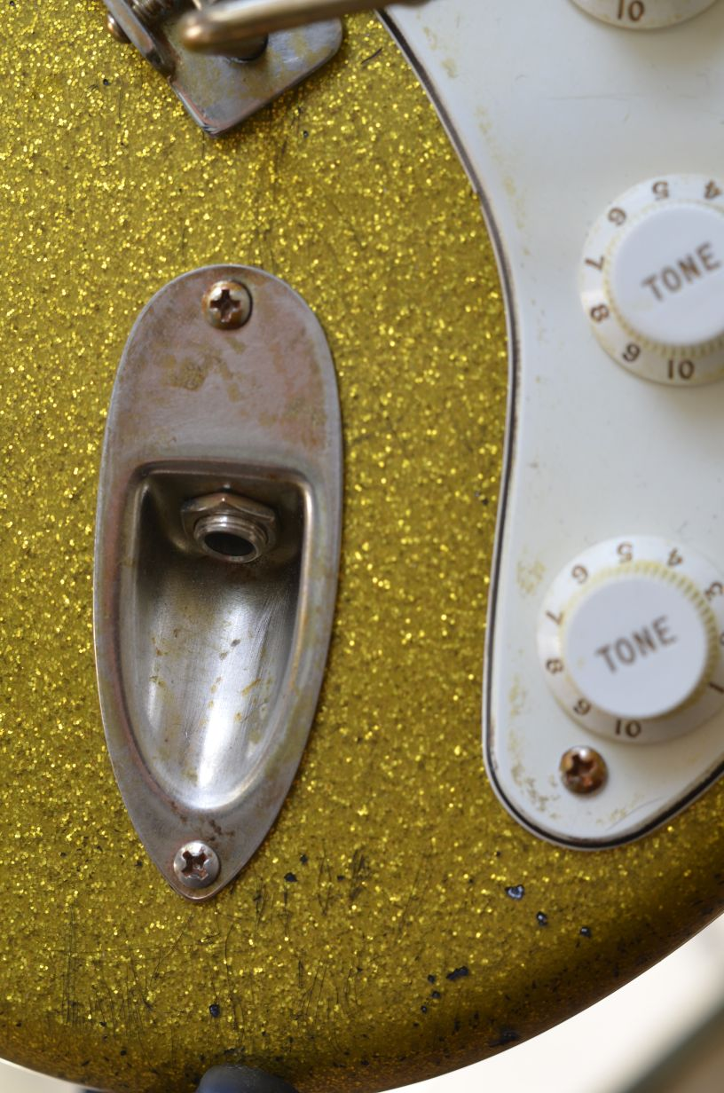 Stratocaster aged Relic Gold Sparkle Flake