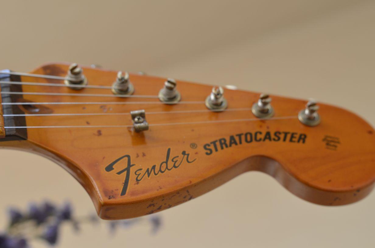 Fender Stratocaster relic Headstock