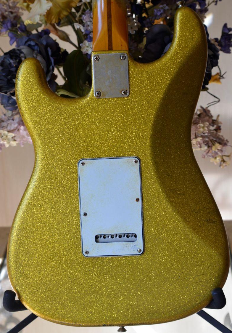 Fender Stratocaster aged Gold Sparkle Flake