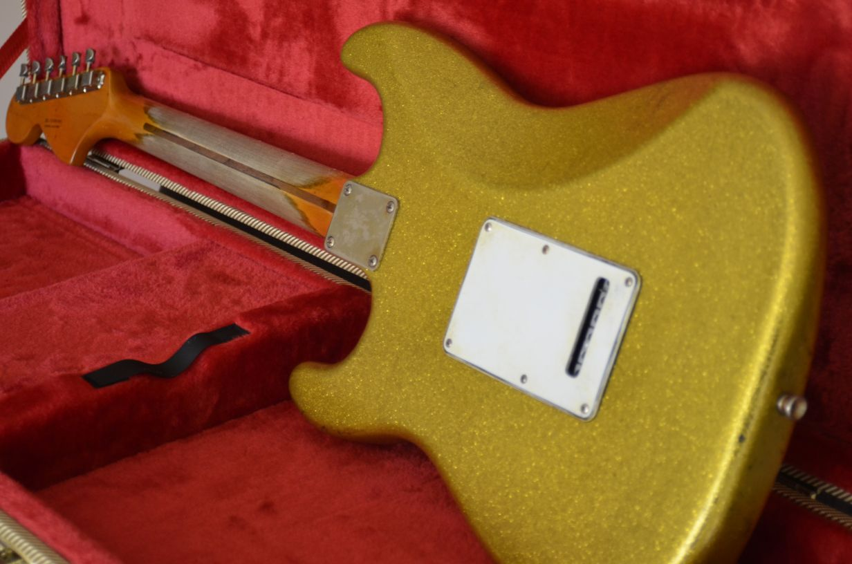 Fender Stratocaster Relic Gold Sparkle Flake back