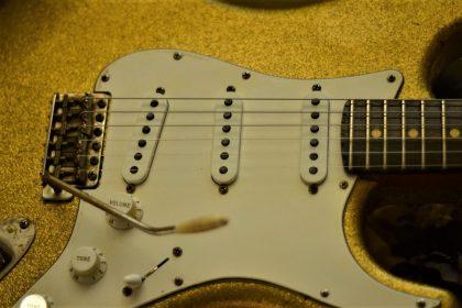 Fender Gold Flake Sparkle Strat Relic Aged