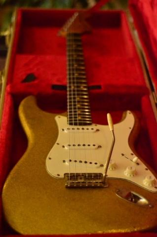 Fender Stratocaster Relic Custom Gold Flake