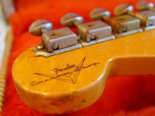 Headstocl Logo Rust Fender Custom Shop Relic Stratocaster
