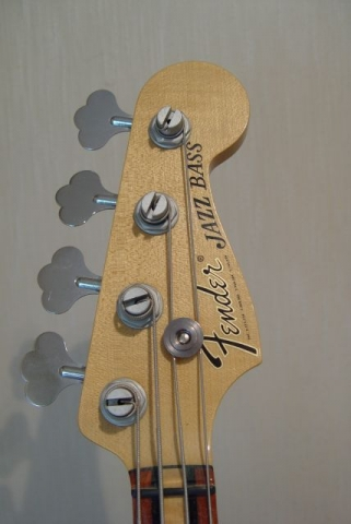 Fender Jazz Bass Custom Shop Masterbuilt Headstock