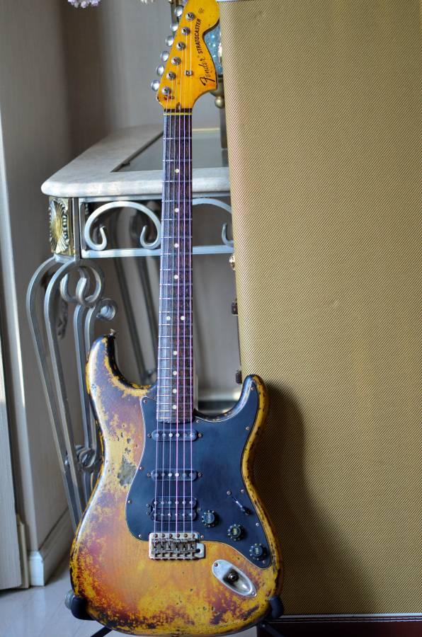 Fender Stratocaster Sunburst Heavy Relic Nitro Custom HSS CS Texas Specials