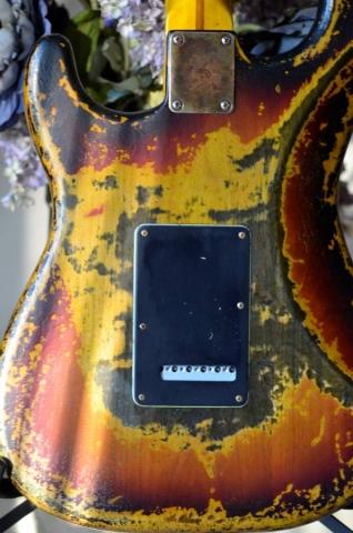 Fender Stratocaster Sunburst Heavy Relic Nitro Custom Back