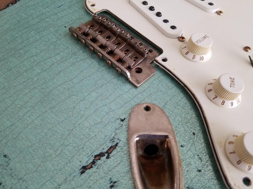 Checking Vintage 6 point bridge Fender Custom Strat heavy relic sea foam green