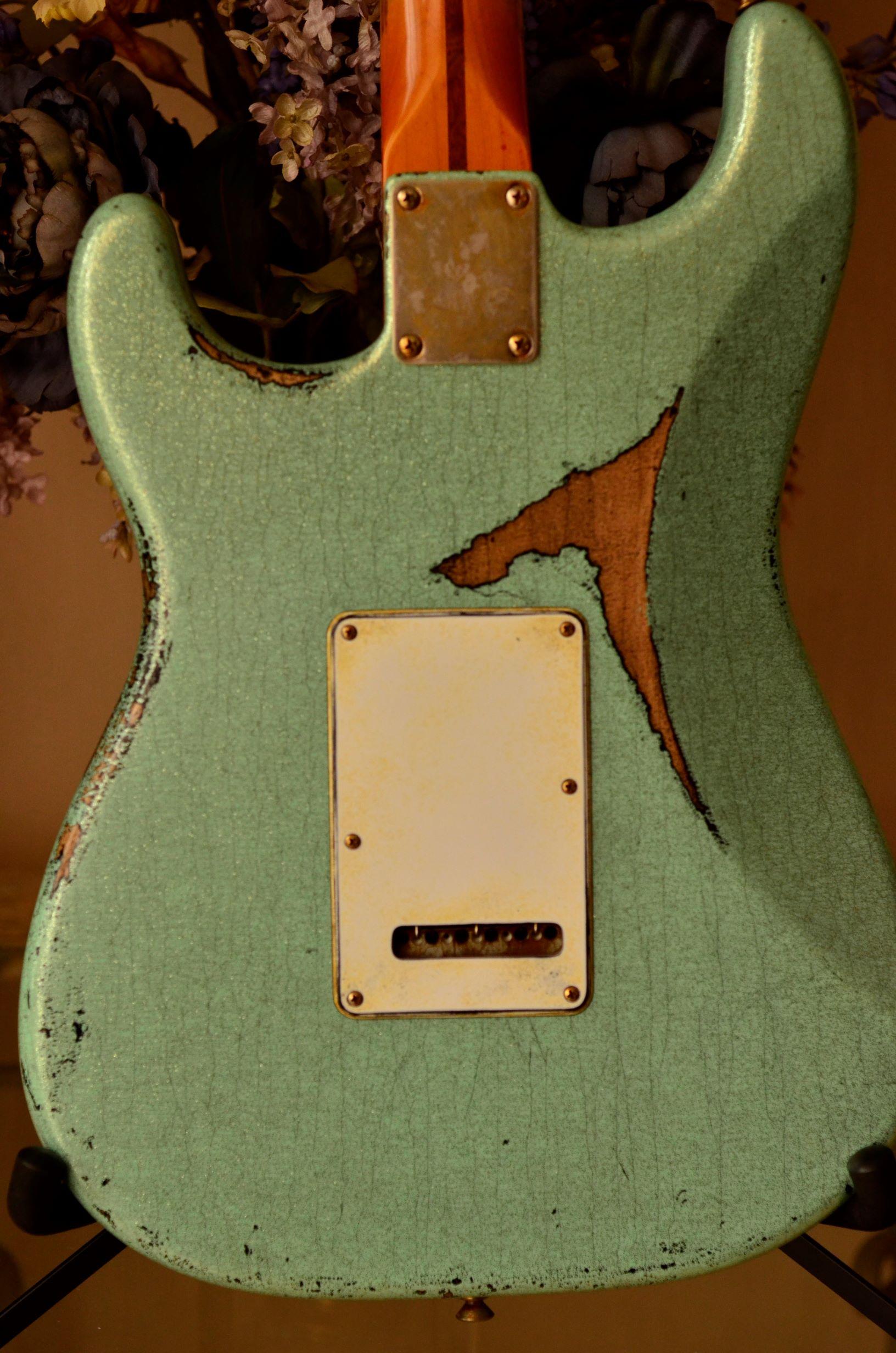 Fender Custom Strat heavy relic sea foam green back plate