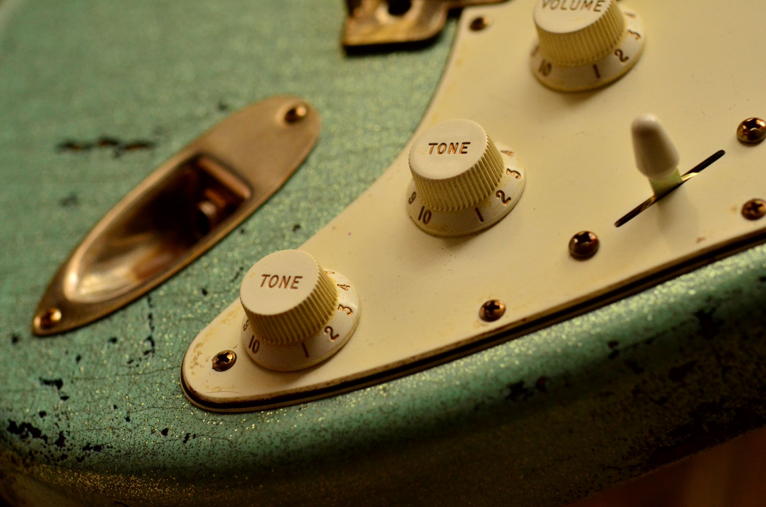 Tone Knobs Fender Custom Strat heavy relic sea foam green
