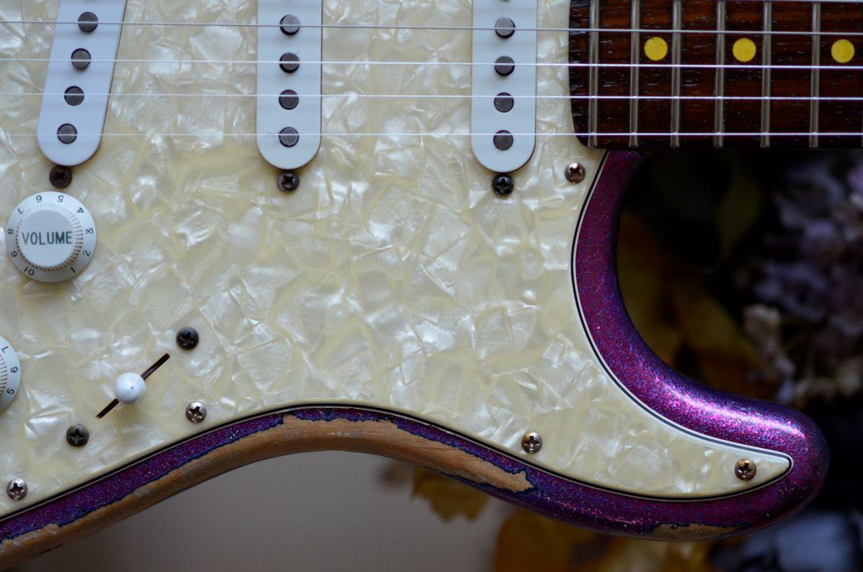 Fender American Stratocaster Magenta Sparkle
