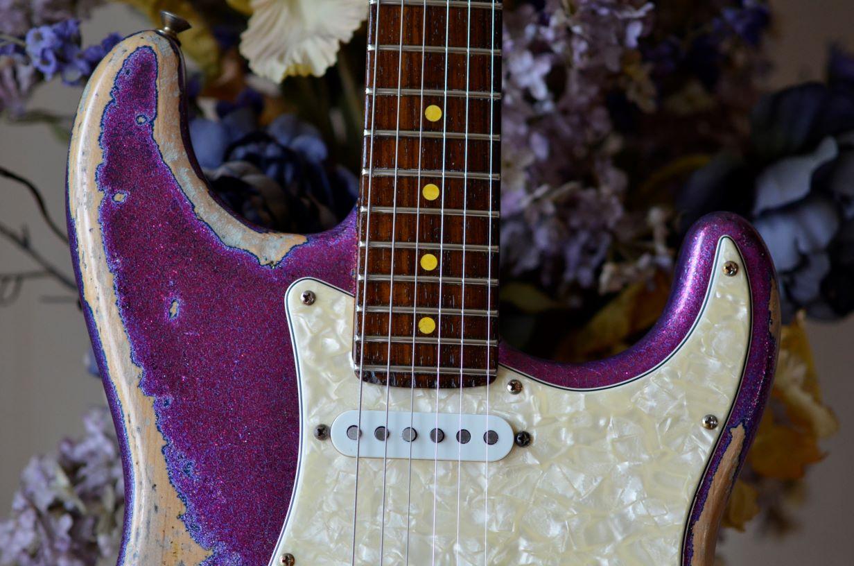 Fender American Stratocaster Magenta Sparkle Heavy Relic