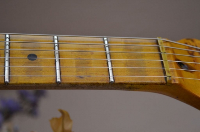 Fender Stratocaster Aged Maple neck