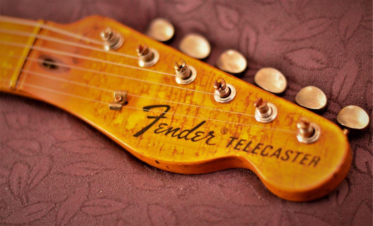Fender Telecaster Custom Aged Relic Headstock
