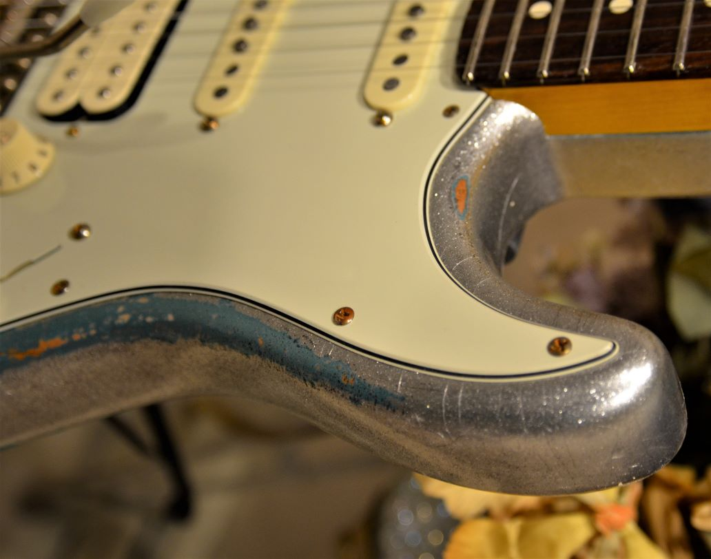 Nitro Finish Checking  Fender Strat Heavy Relic Silver Seafoam Green