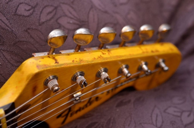 Fender Strat Relic Large Head Stock Tuners