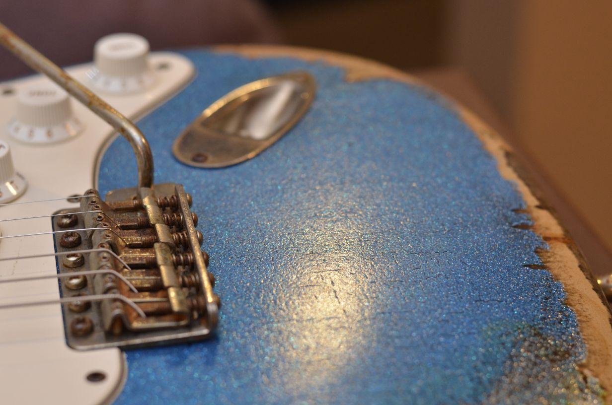 Fender Custom Stratocaster Relic Finish Checking Wear Pattern