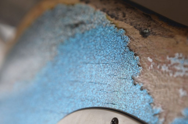 Fender Custom Strat Relic Finish Checking Wear Pattern