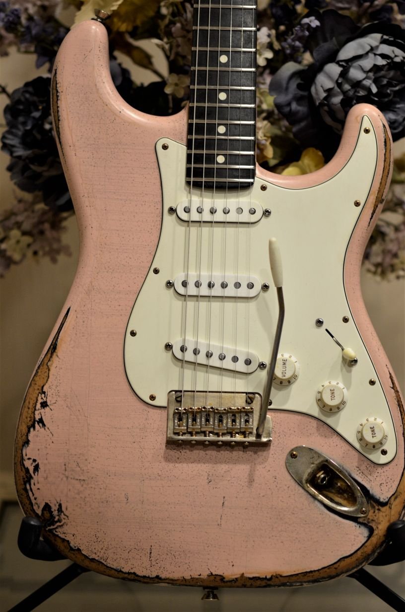 Fender-Shell-Pink-Heavy-Relic-Rosewood-Neck