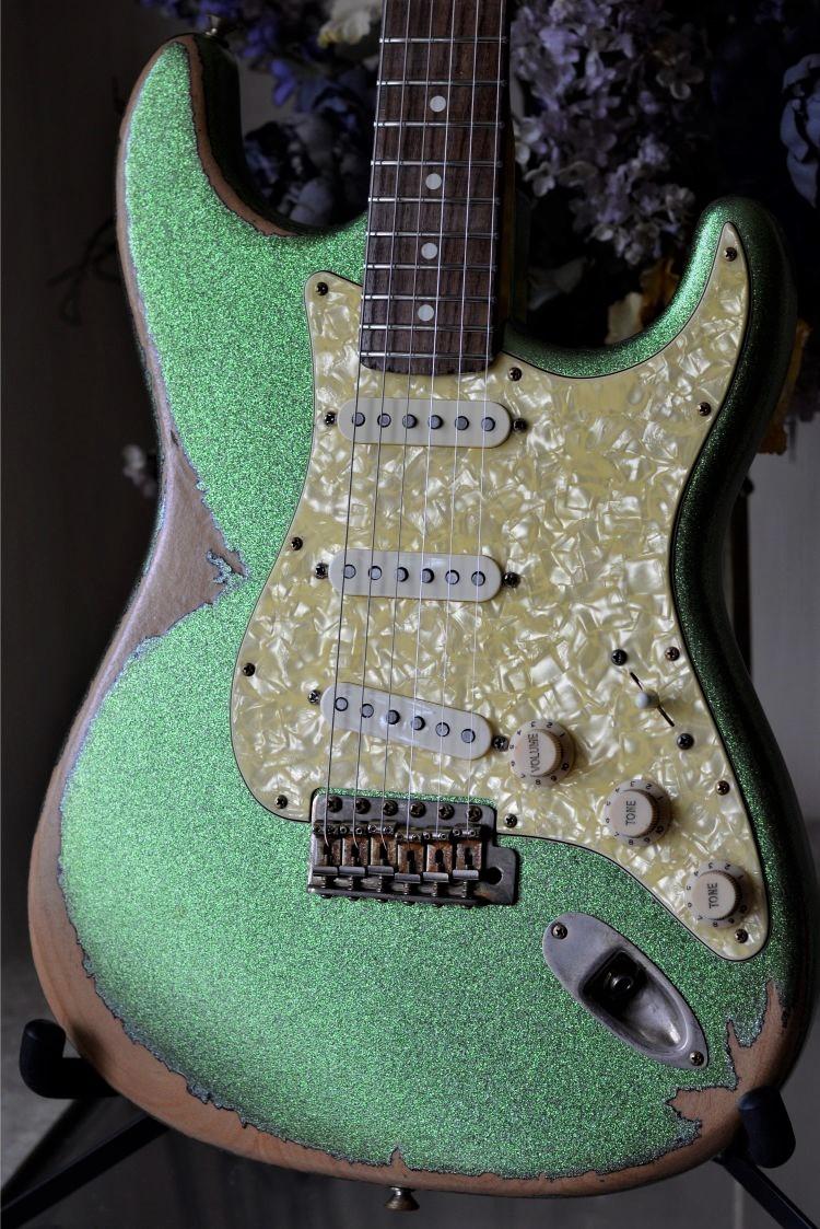 Fender-Stratocaster-Custom-Relic-Sparkle-Lime-Squeezer