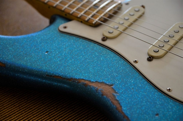 Fender Stratocaster Sparkle Relic
