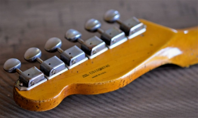 Fender Aged Relic Telecaster Headstock Tuners