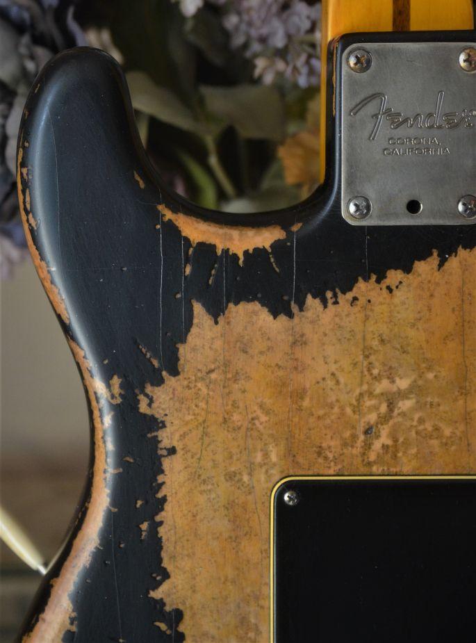Relic Stratocaster Black