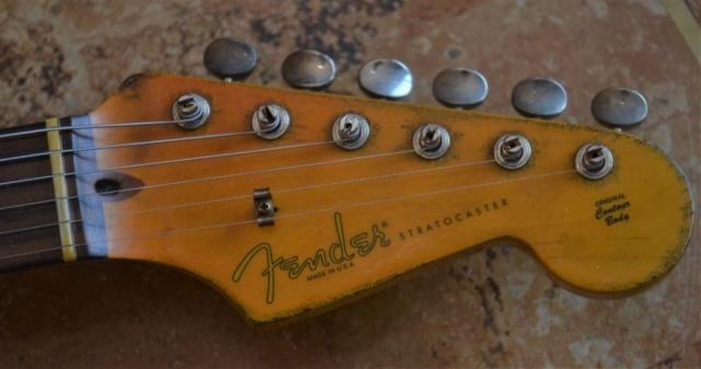 Fender Stratocaster Aged Headstock Logo