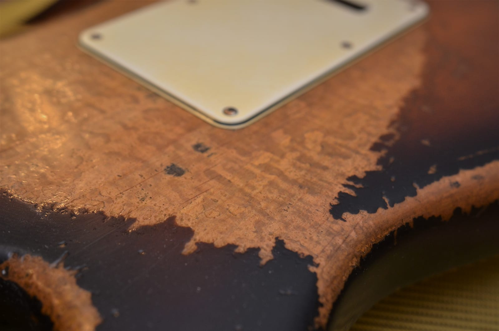 Sunburst Strat Relic Figuring Wear