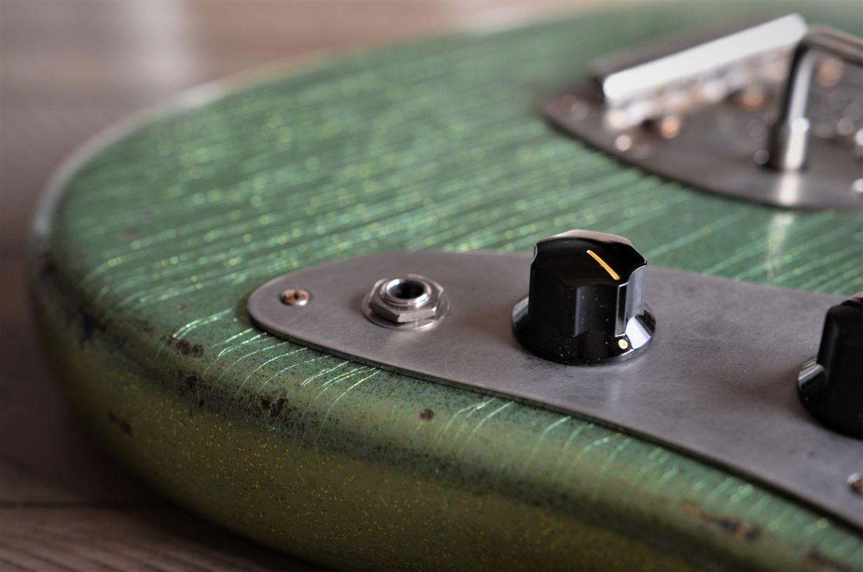 Finish Checking Fender Guitar Custom